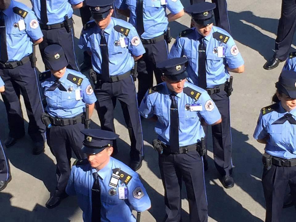Polici amerikan lavdëron Policinë e Kosovës